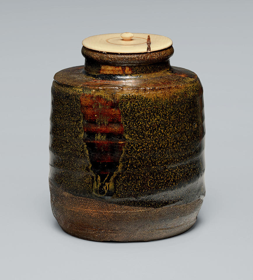 Tea caddy (chaire, 茶入れ)