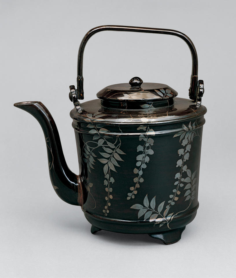 Ewer for hot water (yutō, 湯桶) with wisteria