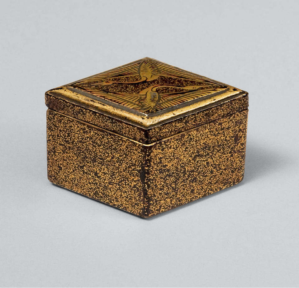 Incense box (kōgō, 香合) with paired cranes