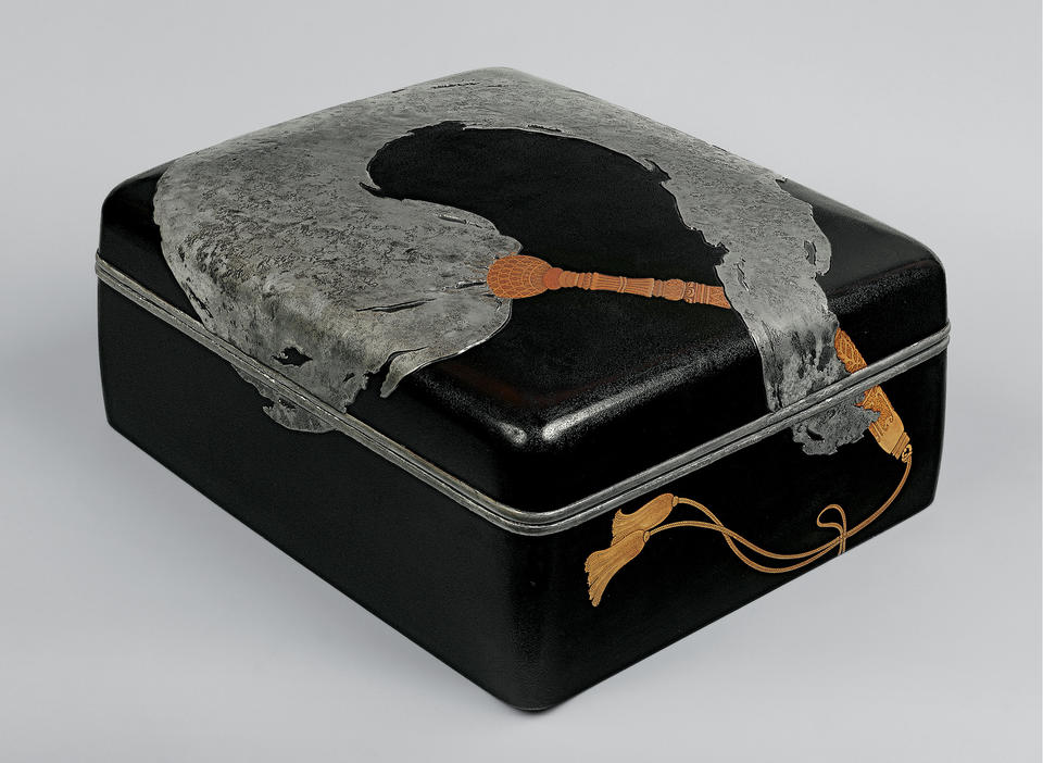 Storage box for monk's robe (kesabako, 袈裟箱)