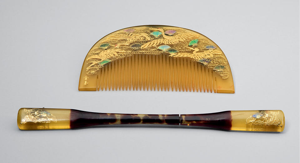 Comb and pin with cranes