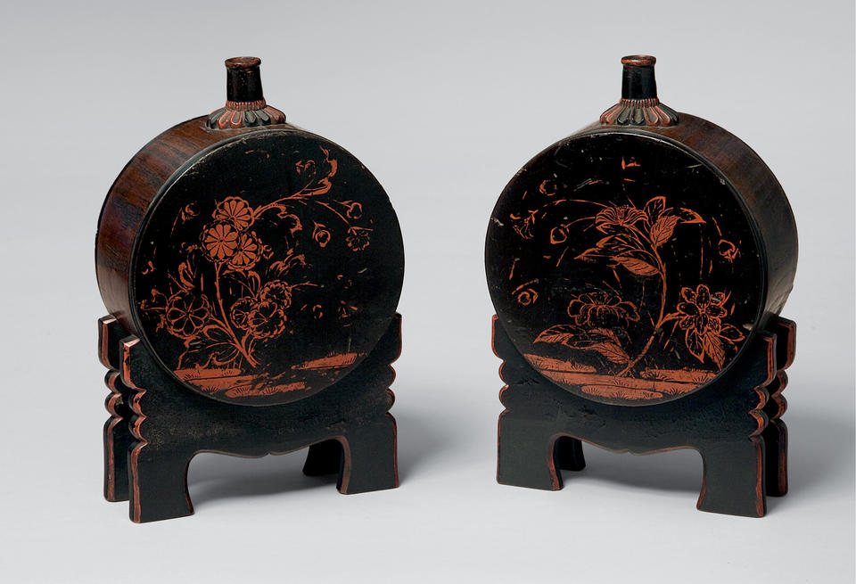 Pair of sake containers with grasses and flowers