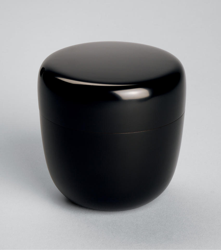 Tea caddy (natsume, 棗)