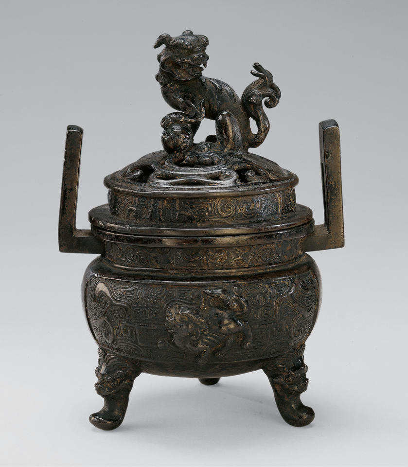 Incense burner (kasha, 火舍) with Chinese lions