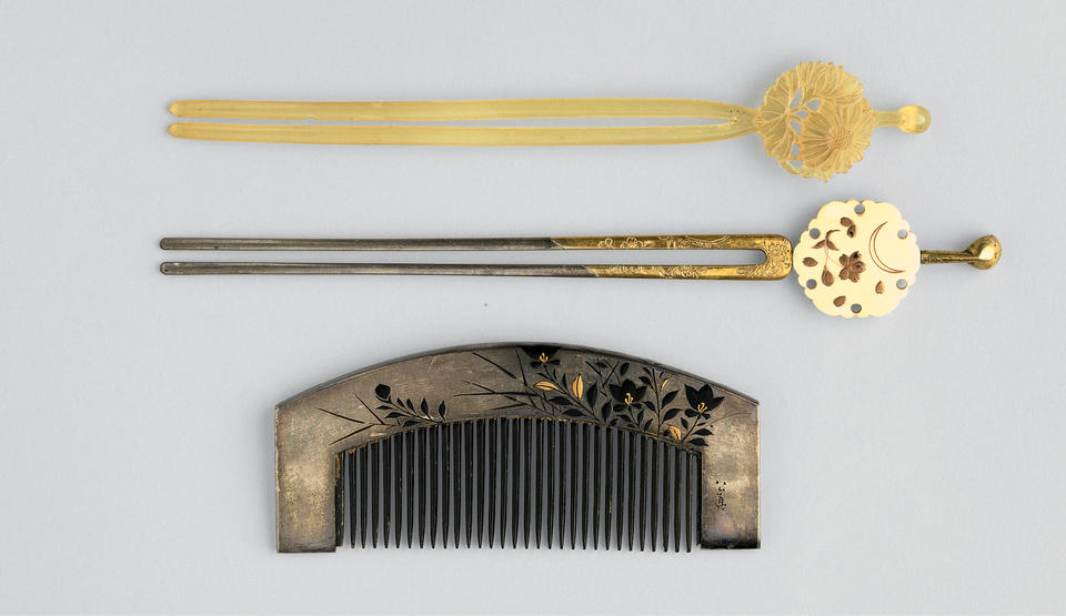 Hair pins and comb