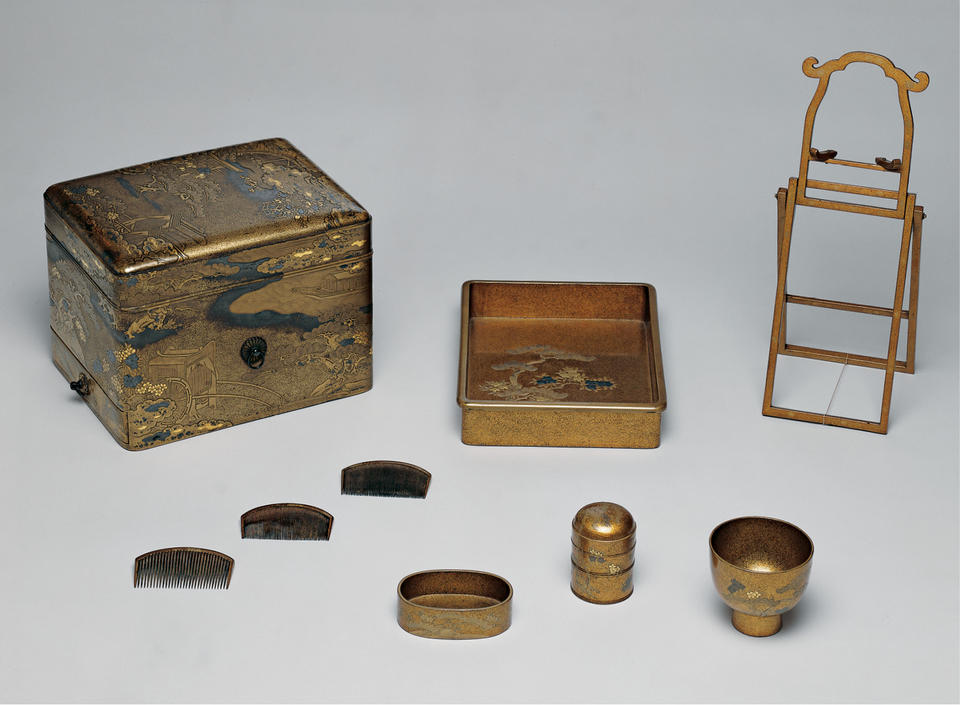 Accessories box (tebako, 手箱) with scenes from Genji monogatari (源氏物語)